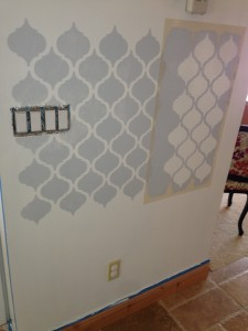 How to apply a wall stencil