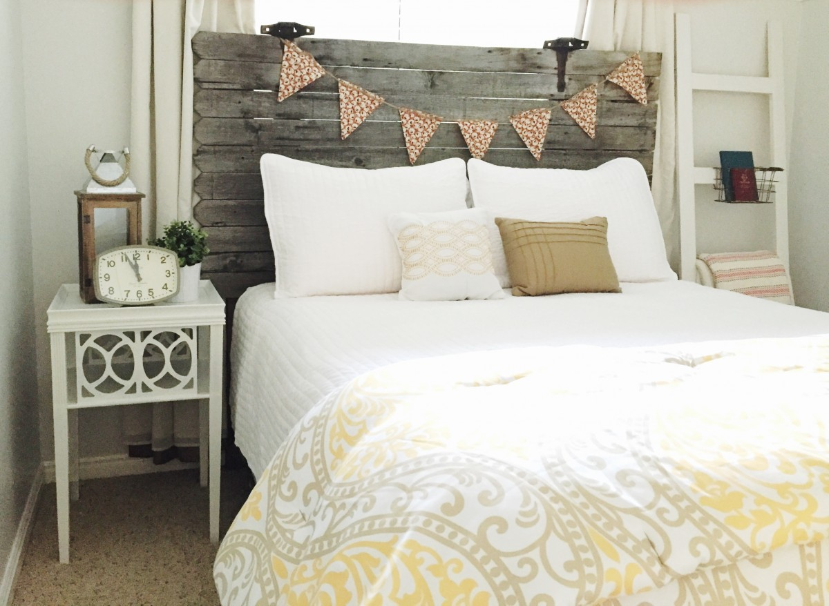 Turn a Fence Gate Into a Headboard