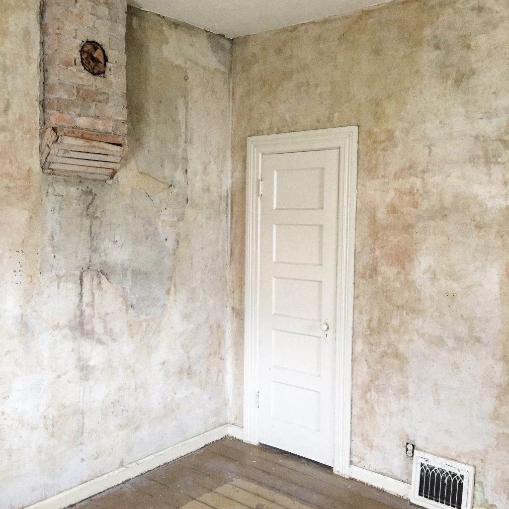 100 year old plaster walls, no wallpaper