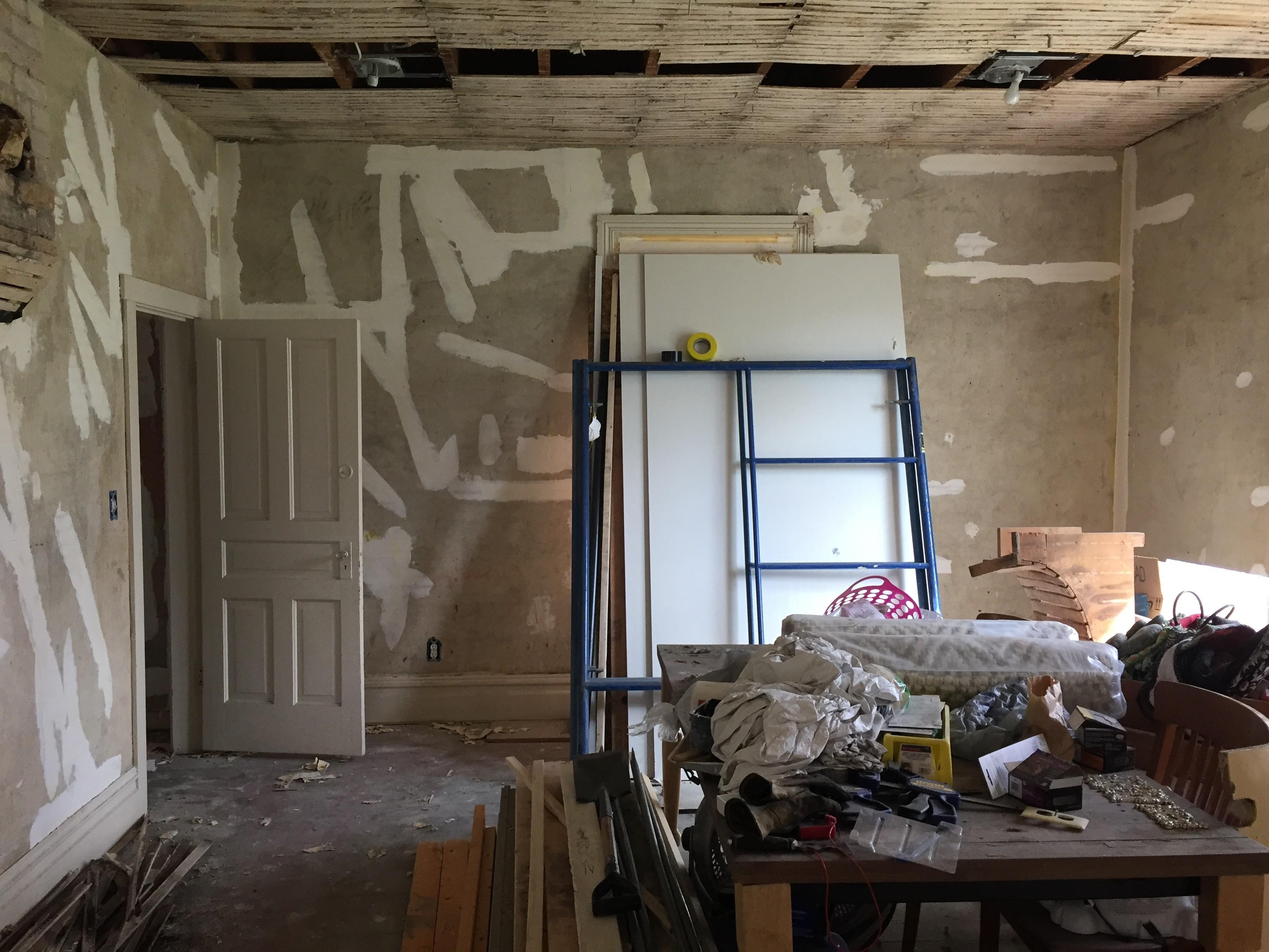 Patching Drywall Cracks